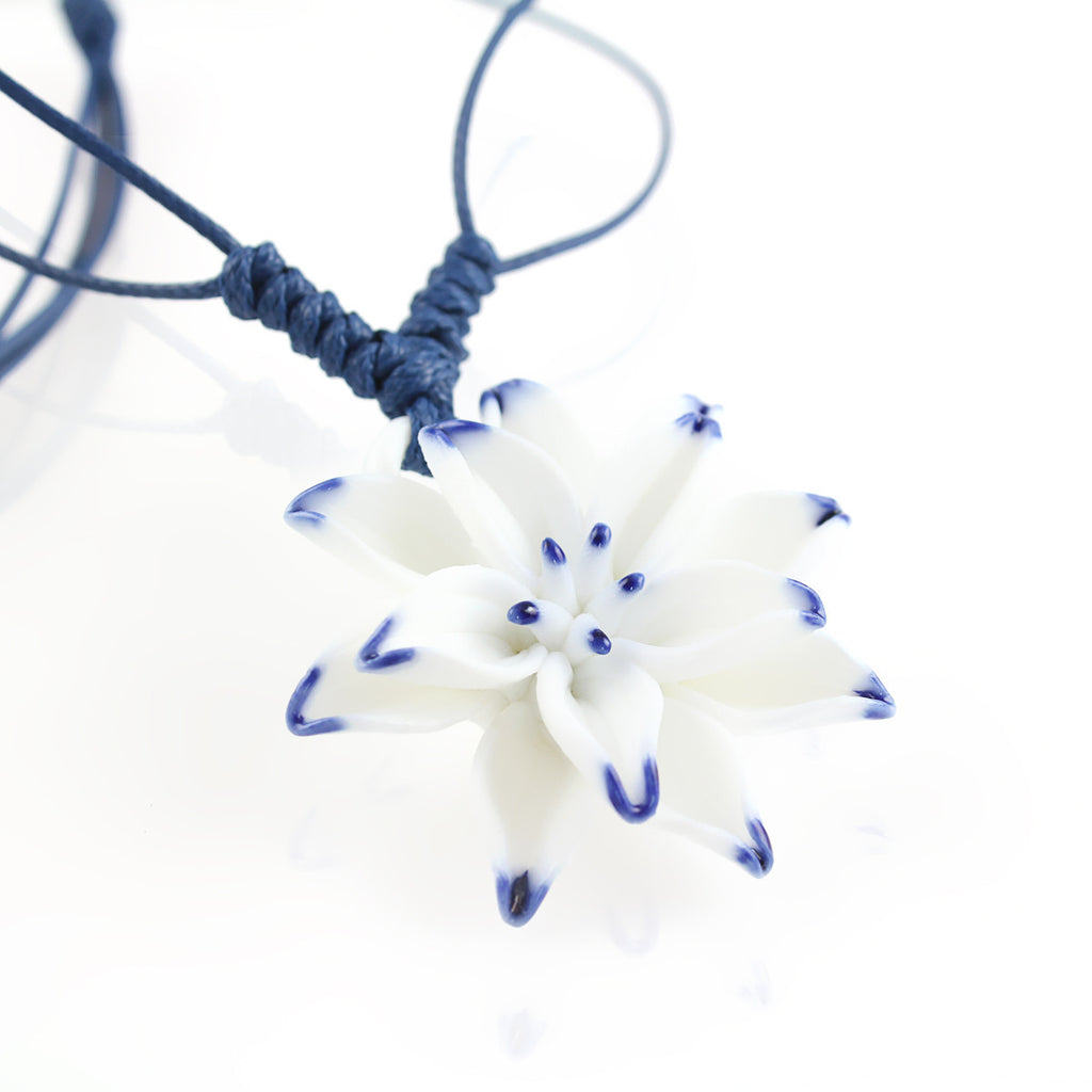 Handmade blue and white porcelain necklace with lily pendant - cultureincart.com