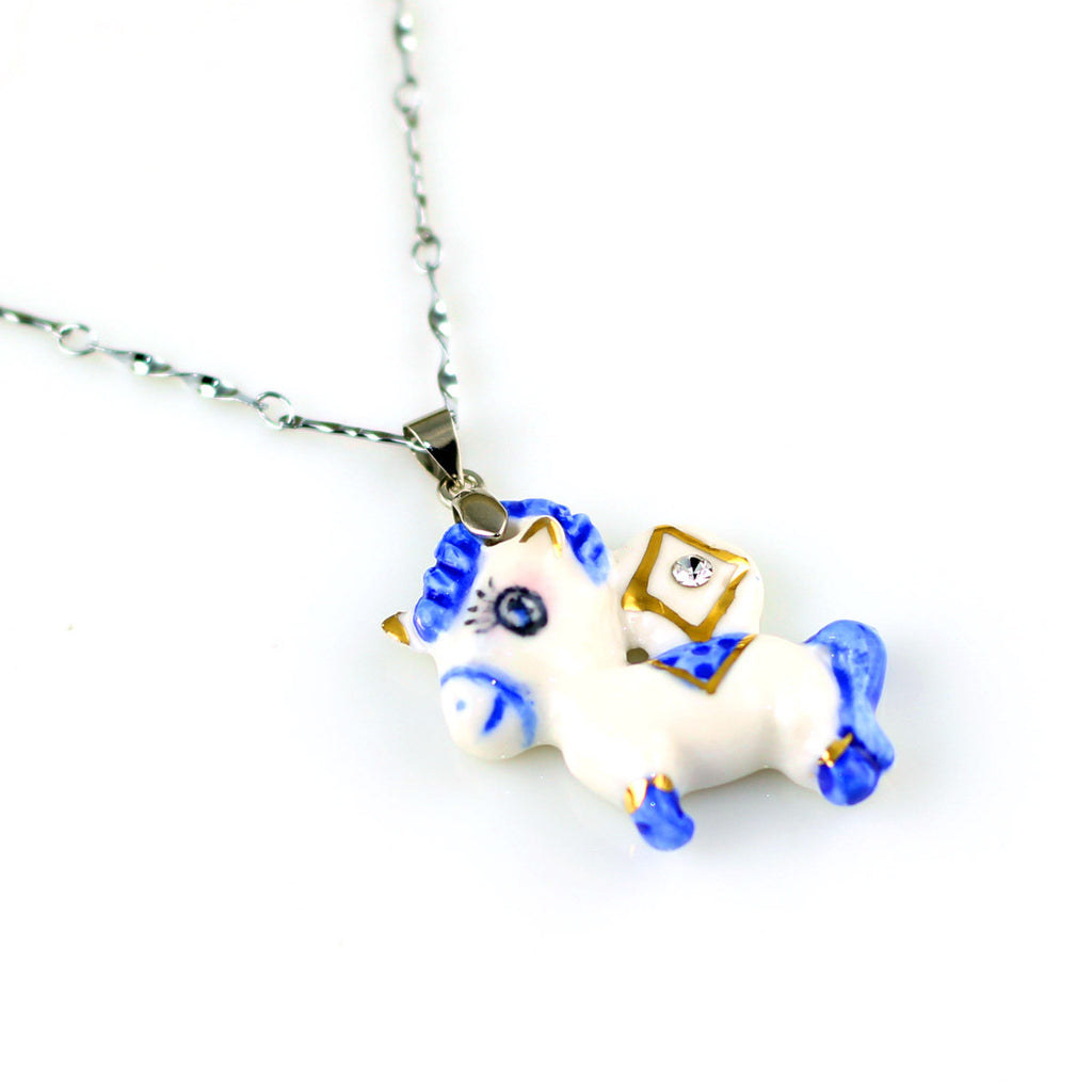 Lovely handmade porcelain necklace with horse-shape pendant - cultureincart.com