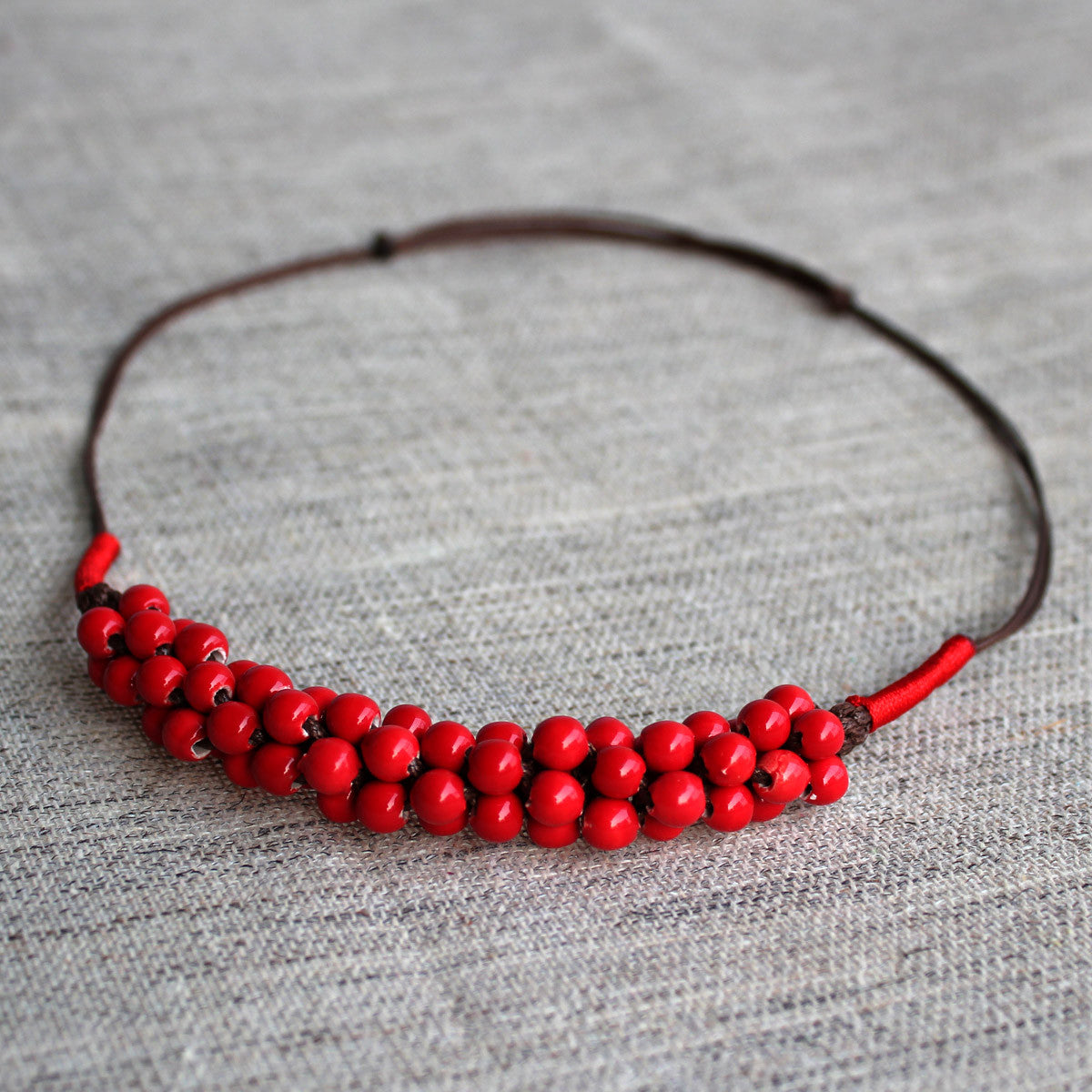 Oriental red love pea ceramic necklace
