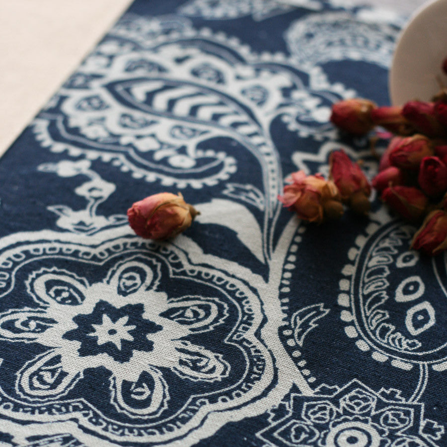 Color split joint fabric tablecloth - The image of South of China - cultureincart.com