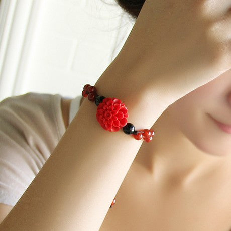 Classical bride red carved flowers petals bracelet