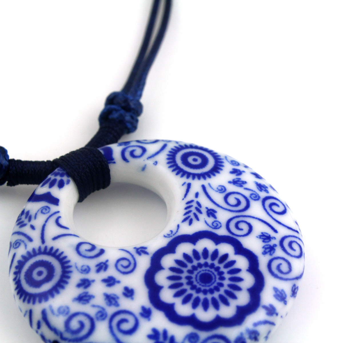 Handmade clavicle blue and white porcelain necklace