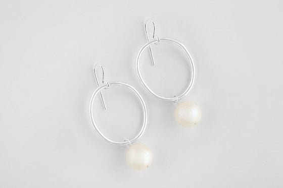 Freshwater pearl & sterling silver earrings