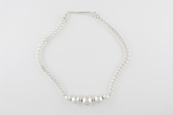 CURB LINK BEADED CHAIN
