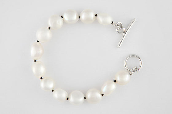 Freshwater pearl silk-strung bracelet with sterling silver clasp (black silk)