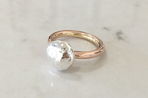 Two tone bobble ring
