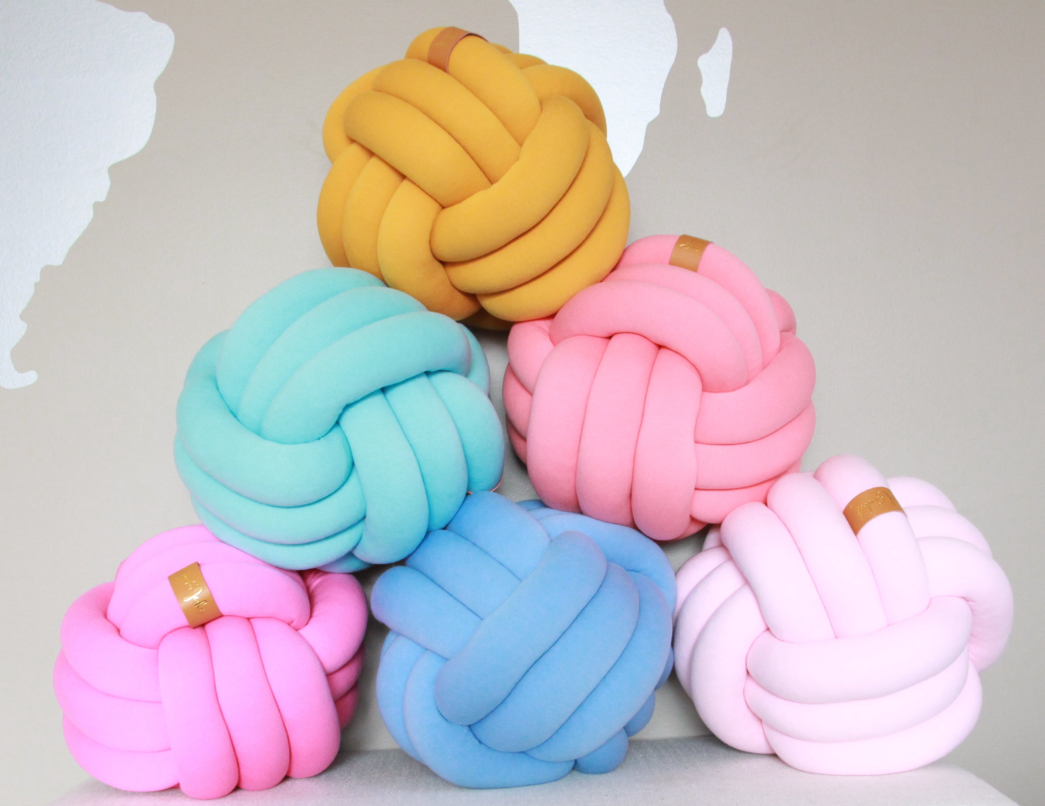 Grande Sphere Knot Pillow