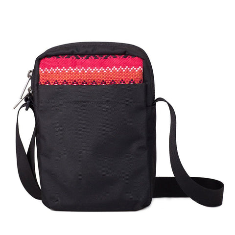 Ethnotek-chaalo-everyday-shoulder-bag-india11-red-back-pocket