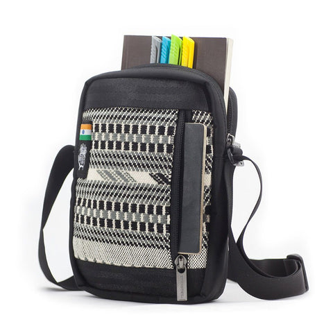 Ethnotek-chaalo-everyday-shoulder-bag-india8-black-and-white-fits-travel-documents