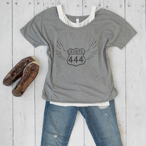 444 Angel Footloose Slouchy Tee