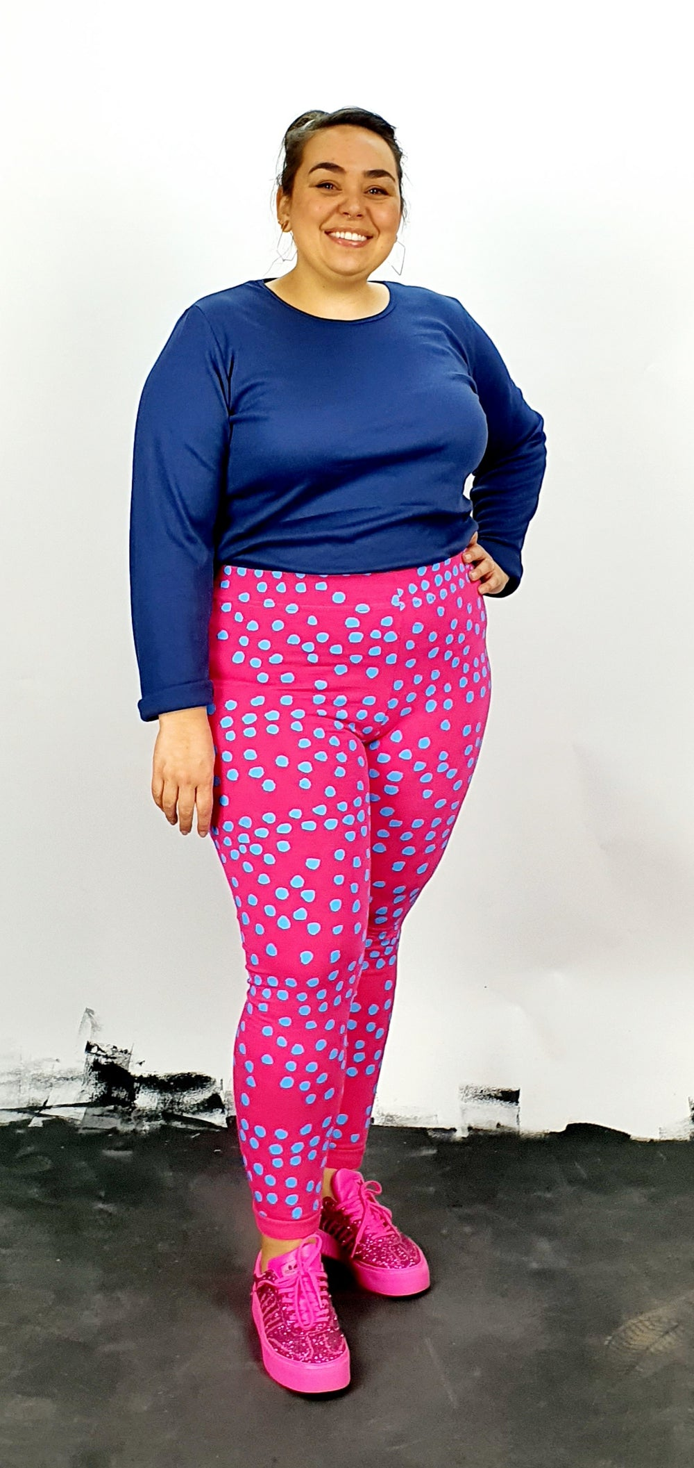 Blue spots on pink cotton lycra leggings