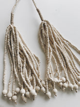 NATURAL BEAD TASSEL