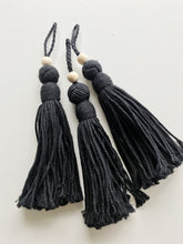 MEDIUM BEAD TASSEL