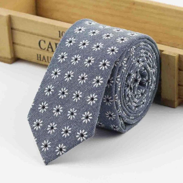 The Kensington Tie in Gray Flowers
