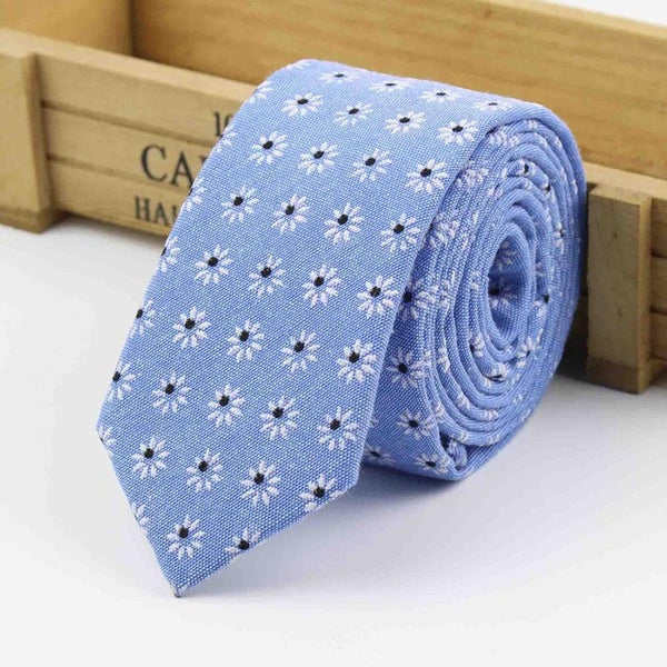 The Kensington Tie in Light Blue Flowers
