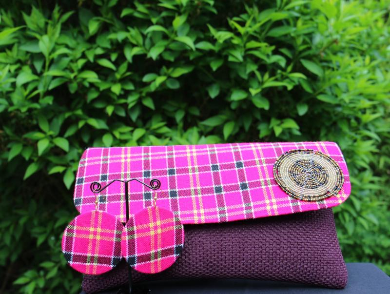 Clutch Purse with Bead detail and Matching Earrings (Berry)