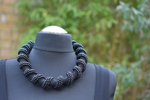 Chunky Twisted necklace in Black