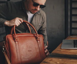 fashion, genuine leather, hand stitched leather, Leather, Leather bag, leather brand south africa, leather briefcase, leather goods, Leather Luggage, Luggage, luxury luggage, mens briefcase, south african leather, swish and swank Briefcase
