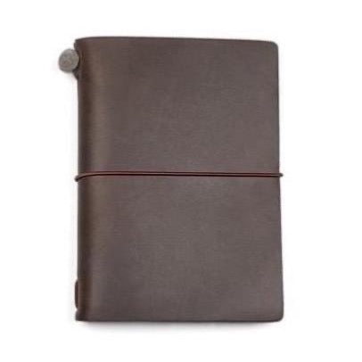 TRAVELER'S notebook passport size • brun