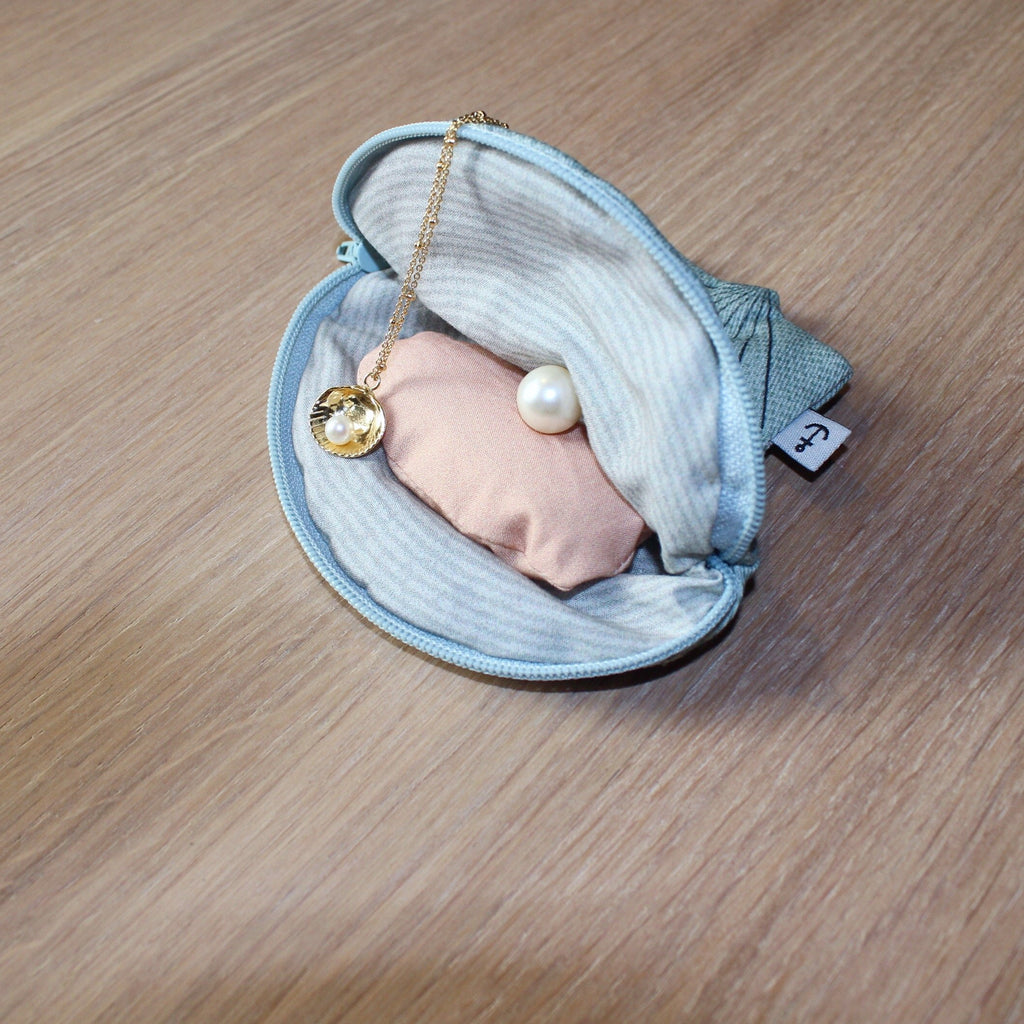 Oyster purse