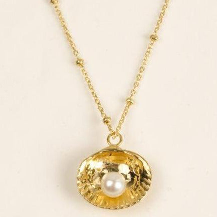 Shell necklace - gold plated silver