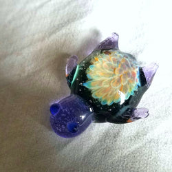 Violet Glass Turtle w/ Rainbow Flower Pull Unique Artwork Brim Pin - The Mad Genius Store