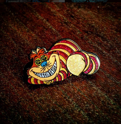 The Cheesin' Season Royal Cheshire Cat Alice in Wonderland SCI Hatpin