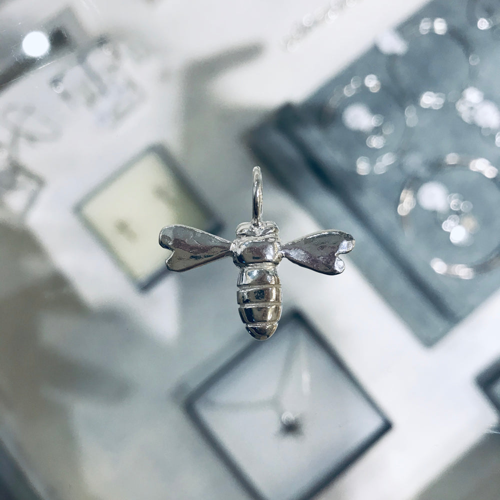 Beautiful BEE necklace