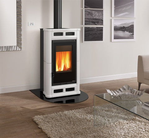 La Nordica Flo 8kw - Non-Boiler Stove, Free Standing, Wood Only, 8 Kw, Enamel, Red