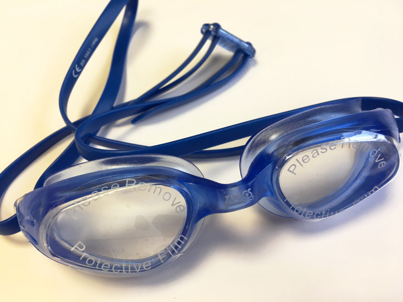 child's goggles for swimming