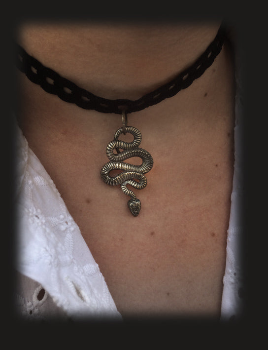 serpent/collier 13