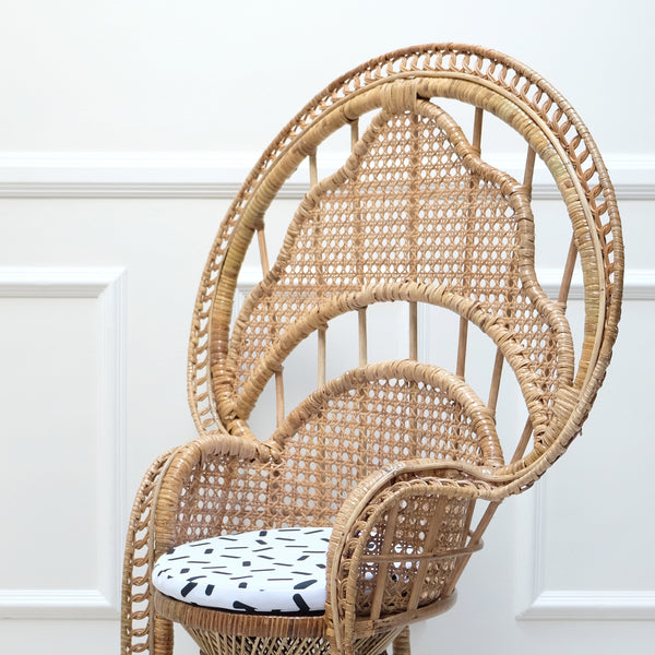 SoliLEIA Peacock Chair