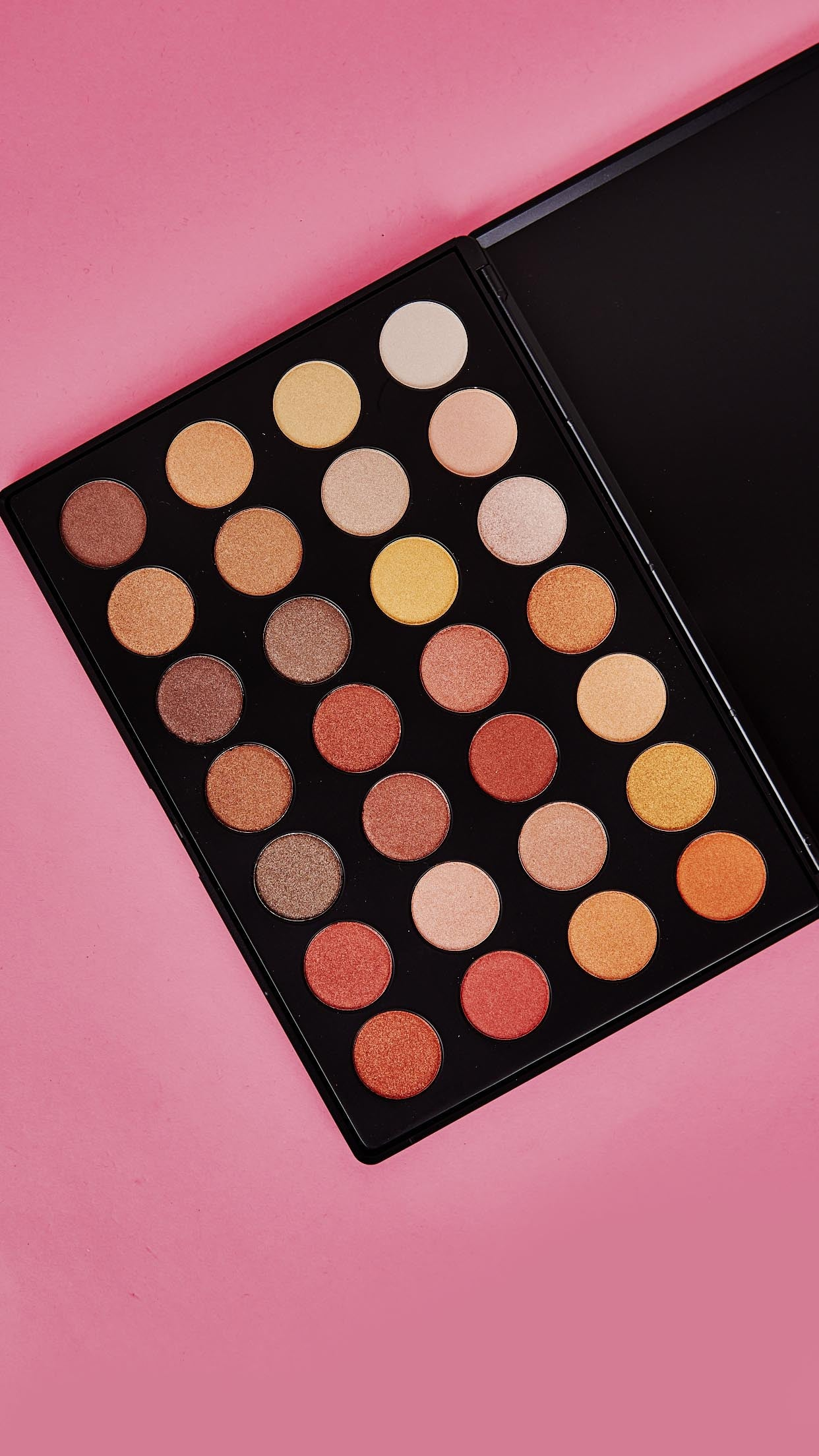 No Regrets! 28 Excuses Shimmer Eyeshadow Palette