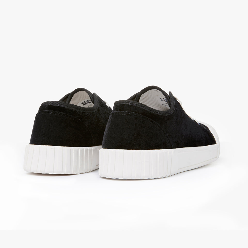 Good News London Sneakers - Softball Low Black