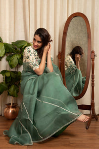 IS-CU-153 Green Organza Saree with Offwhite Thread Embroidered Blouse