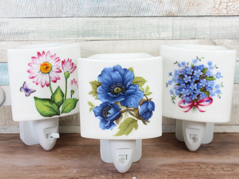 Plug In Ceramic Night Light Choice of 3 Floral designs