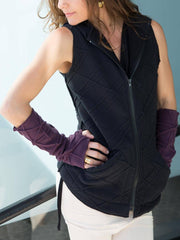 Womens Fleece Texture Fingerless Gloves in Plum with a Polar Fleece Texture Hooded Vest in Black