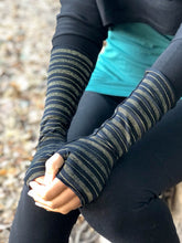 Load image into Gallery viewer, Gold Stripe Fingerless Gloves