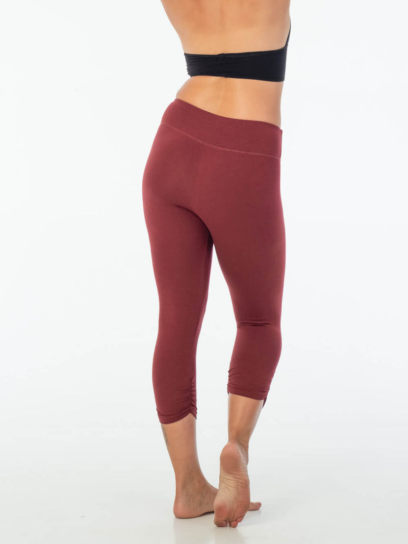 caraucci women's plant-based rayon jersey lycra maroon capri leggings #color_wine