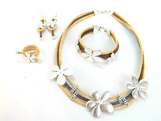 Flowery Cork Vegan Jewellery Sets: Necklace, Bracelet, Ring and Earrings. - ECO-ISTS