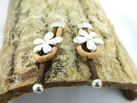 Vegan Earrings with Flower Motif Handmade from Cork - ECO-ISTS
