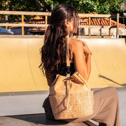 Super cute vegan bucket bag handmade from Portuguese cork - ECO-ISTS