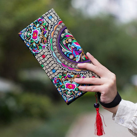 Floral Embroidered Clutch - The Moonlight Society