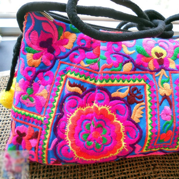 The Embroidered Flower Bag - The Moonlight Society