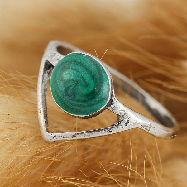 Emerald Arrow Ring Set - The Moonlight Society