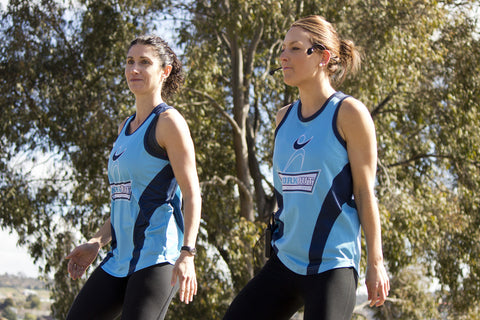 Workout_Wagga_girls_warming_up_the_competitors_before_the_start_of_the_Lake_to_Lagoon