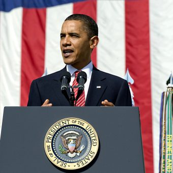 Obama-speaks-to-a-conference