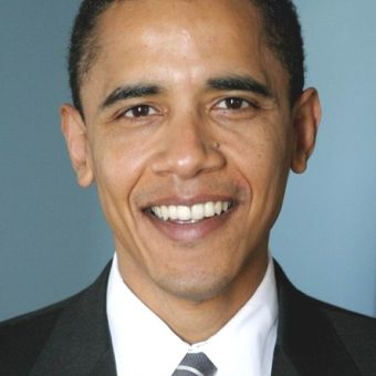 Obama-wears-an-elegant-suit