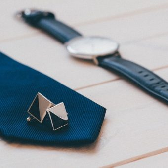 Cufflinks-with-tie-and-watch