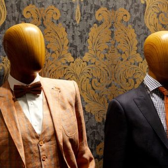 Mannequins-with-suits